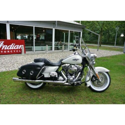 Harley-Davidson Road King FLHRC Road King Classic